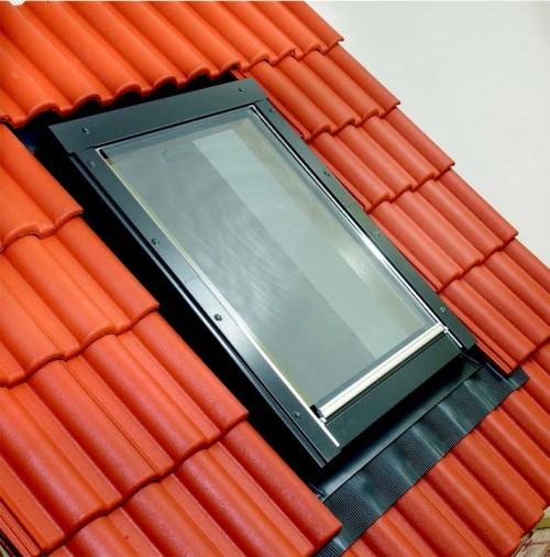 Külső hővédő roló tetőablakra